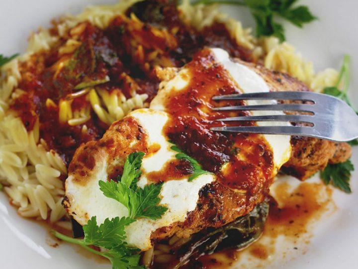 Spinach Mozzarella Chicken Skillet