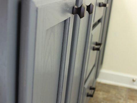 vanity cabinet update using beyond paint pewter