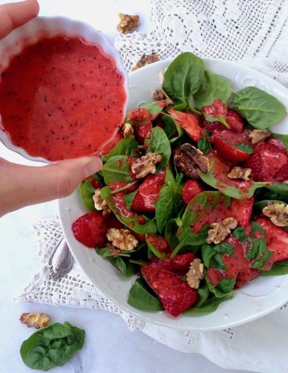 Spinach Strawberry Walnut Salad Recipe