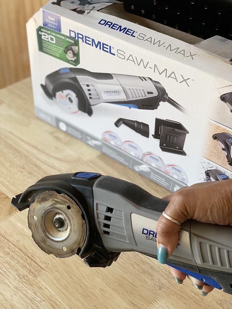 the dremel sawmax handheld saw