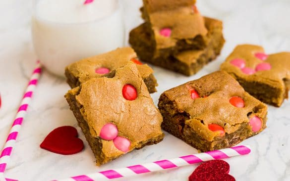 valentine's day blonde brownies