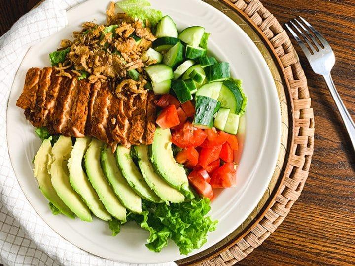 mediterranean blackened salmon salad